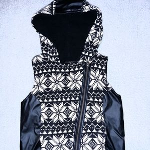 Miss Me Lace Sleeveless Hooded Vest
